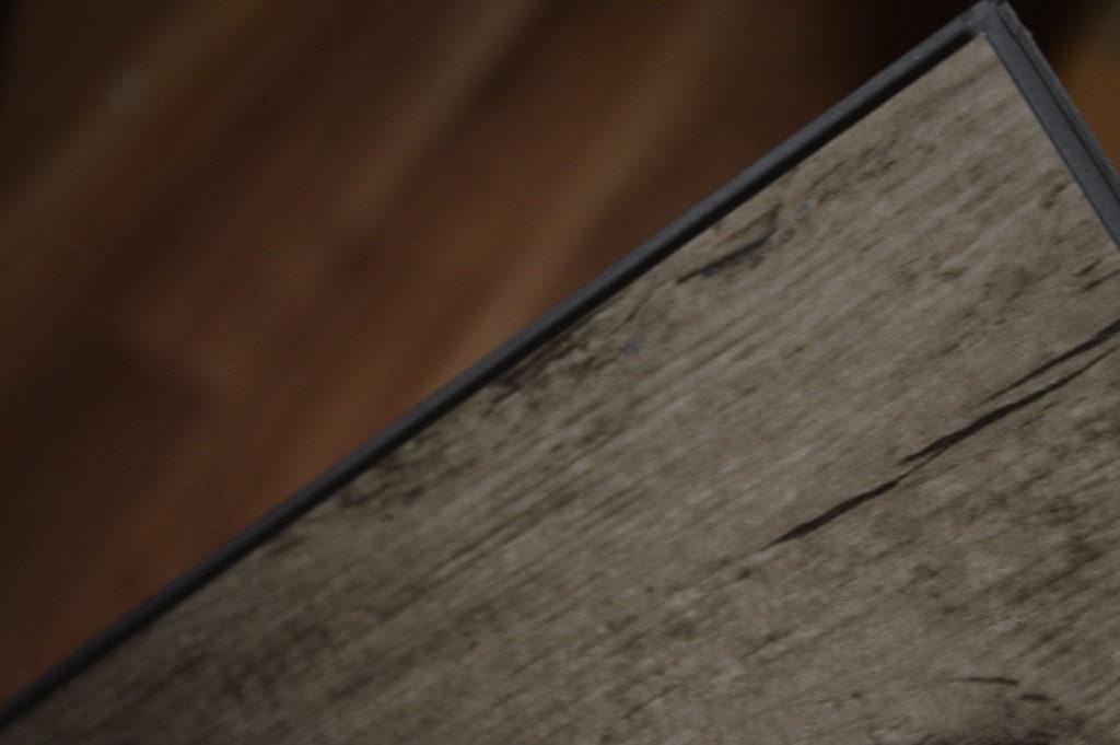 Tutorial install laminate flooring turquoise owl diy for How to install glueless laminate flooring